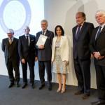 Offshore schepenbouwer Edward Heerema ontvangt Oevreprijs