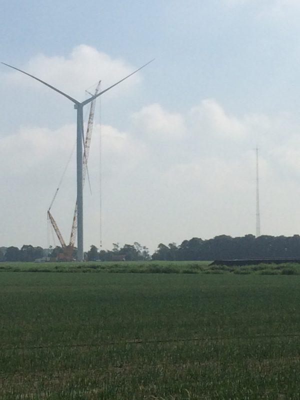 ECN plaatst nieuwe test windmolen in Wieringerwerf