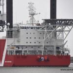 Offshore Jack up schip MPI Enterprise in de Eemshaven