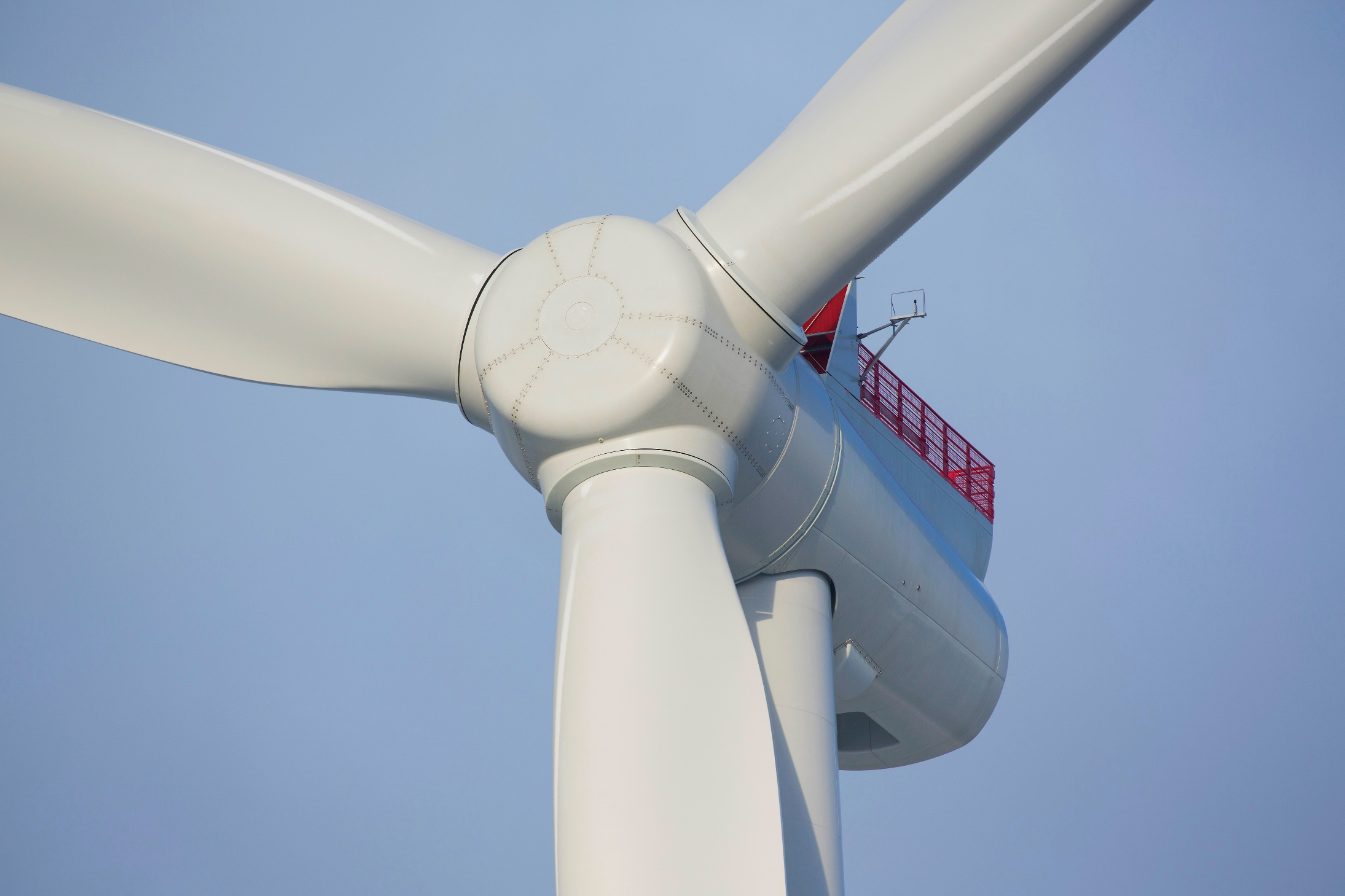 siemens-gamesa-renewables-offshore-turbine-8-mw_low_res