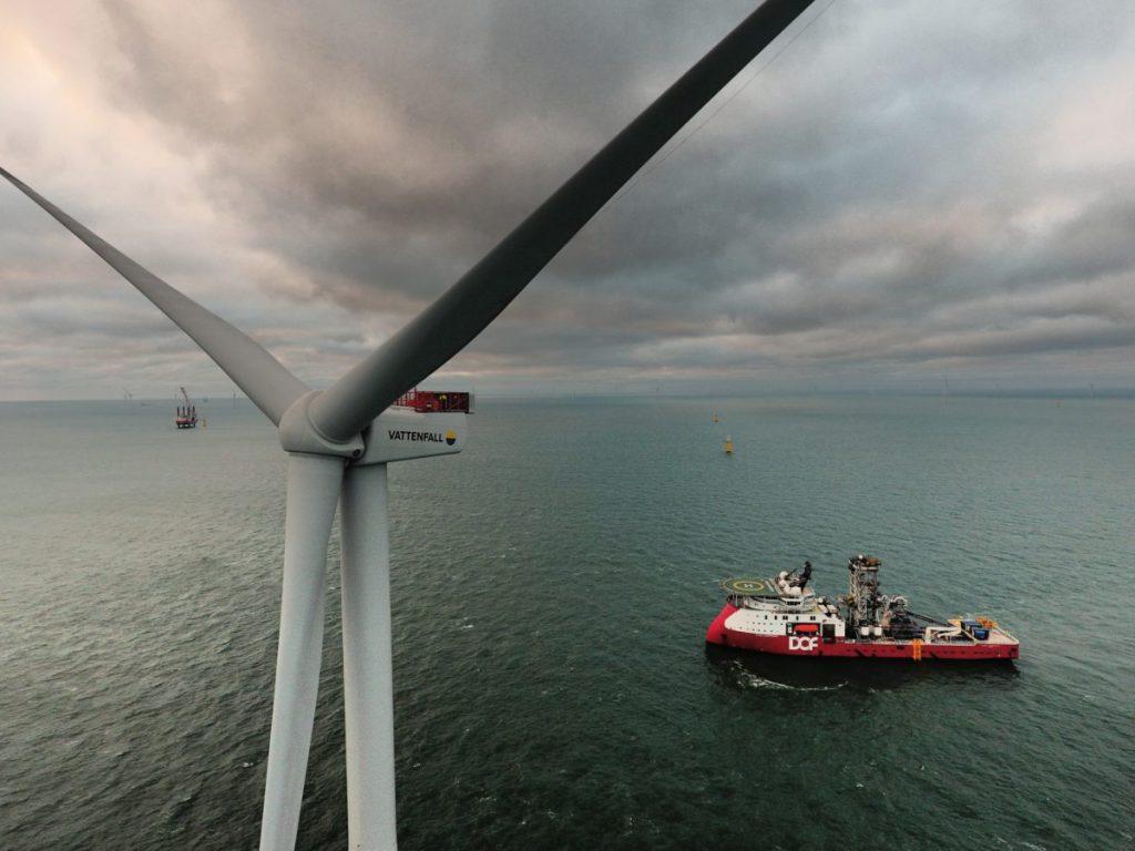Laatste turbine Deens offshore windpark Horns Rev 3 geïnstalleerd