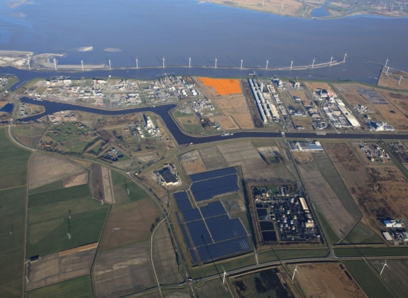 Duurzame kerosinefabriek zal gebruik maken van waterstof uit water en wind