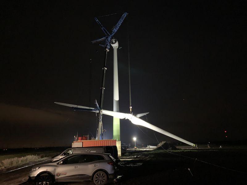 Laatste turbine Windpark Samen voor de Wind staat