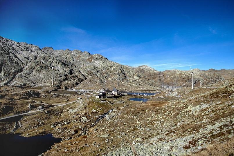 Bouw fundamenten gestart van windpark op St. Gotthardpas in Zwitserland