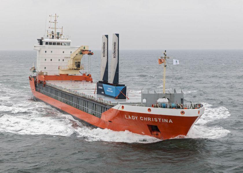 Artikel: Windvoortstuwers voor vergroening scheepvaart