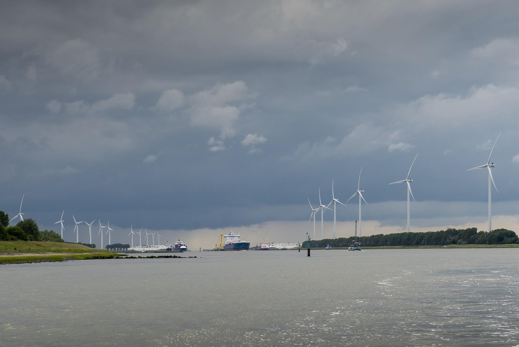 Start haalbaarheidsstudie uitbreiding Windpark Nieuwe Waterweg