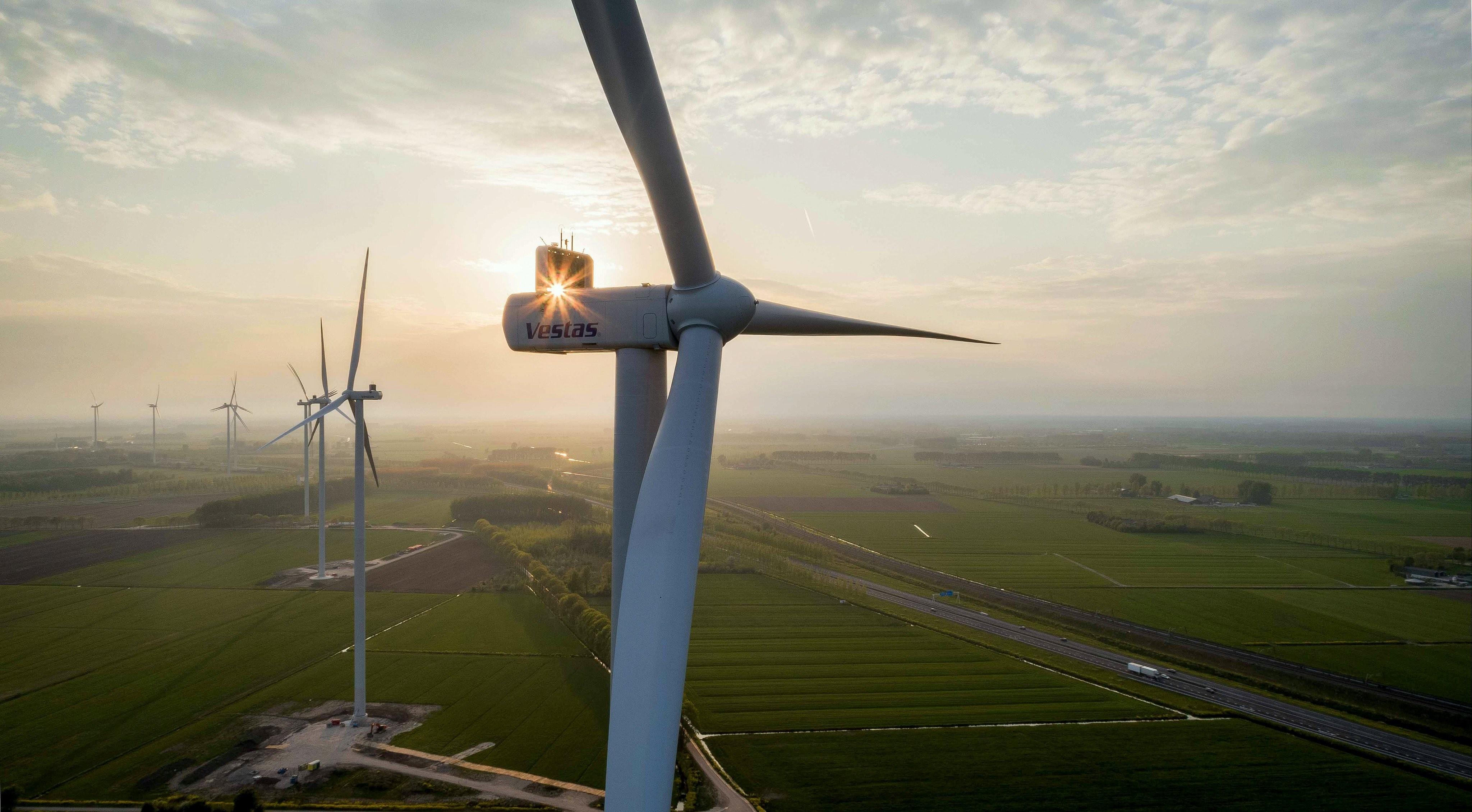 Burgerwindcoöperatie West-Betuwe neemt turbines windparken Deil en Avri over