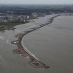 Scheepvaart Delfzijl vast door loszittend paneel windturbine