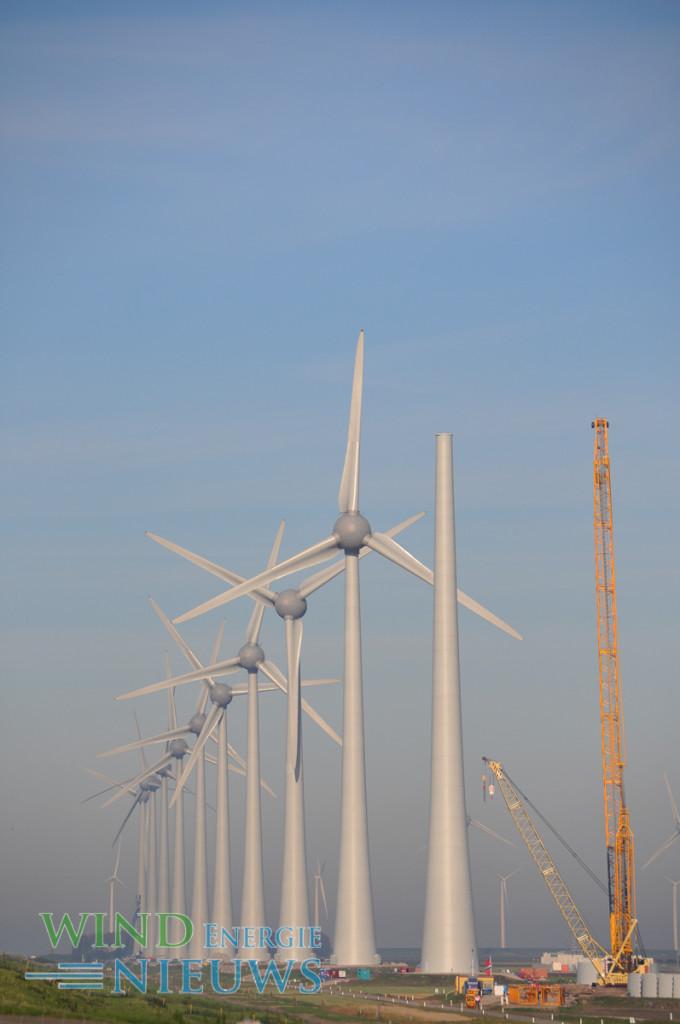 Windpark Zuidwester in aanbouw